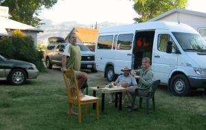 Dining al fresco with Mike, Chris, Todd, and sundry vehicles.
